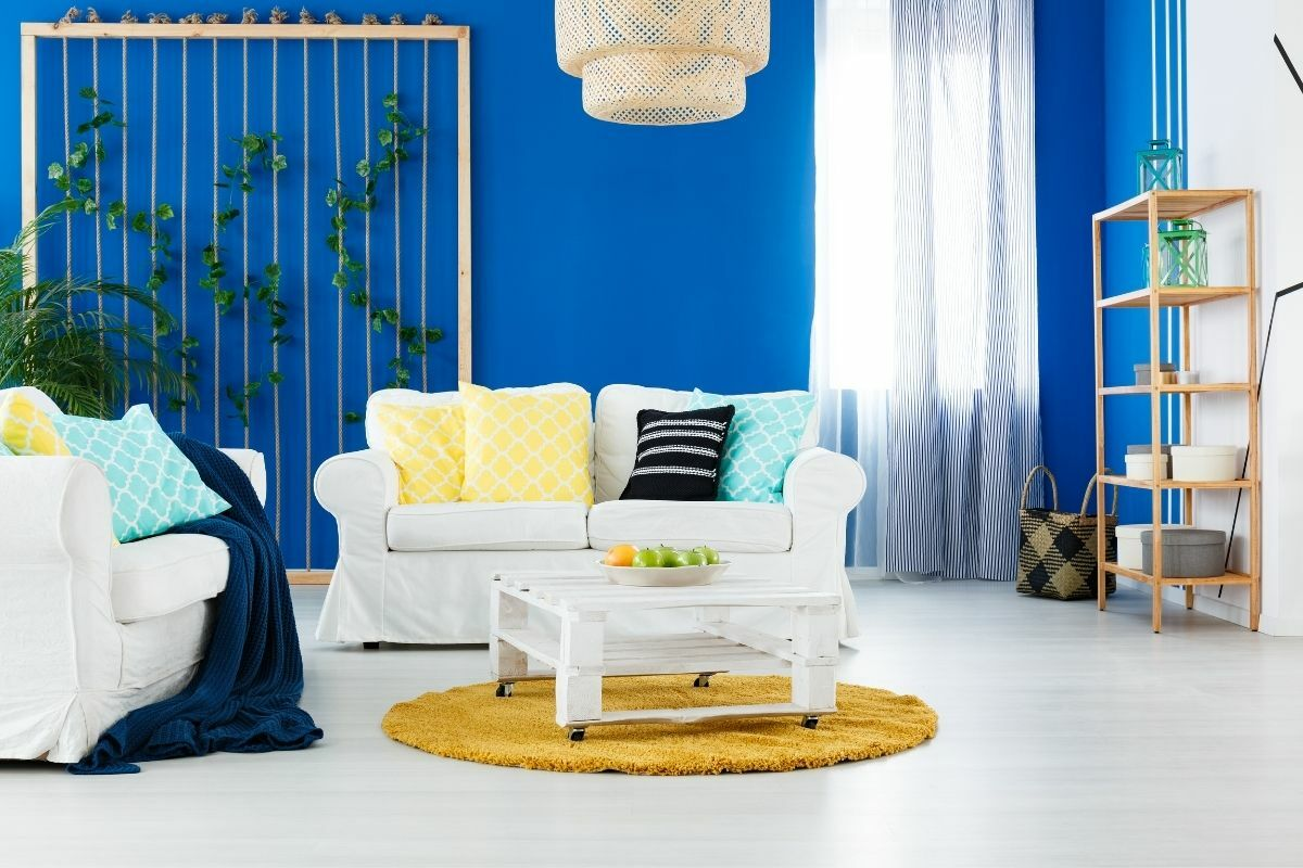 Kék színű nappali