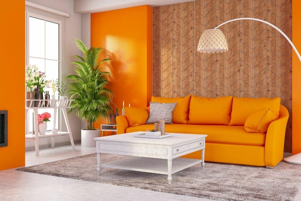 Narancs színű nappaliszoba