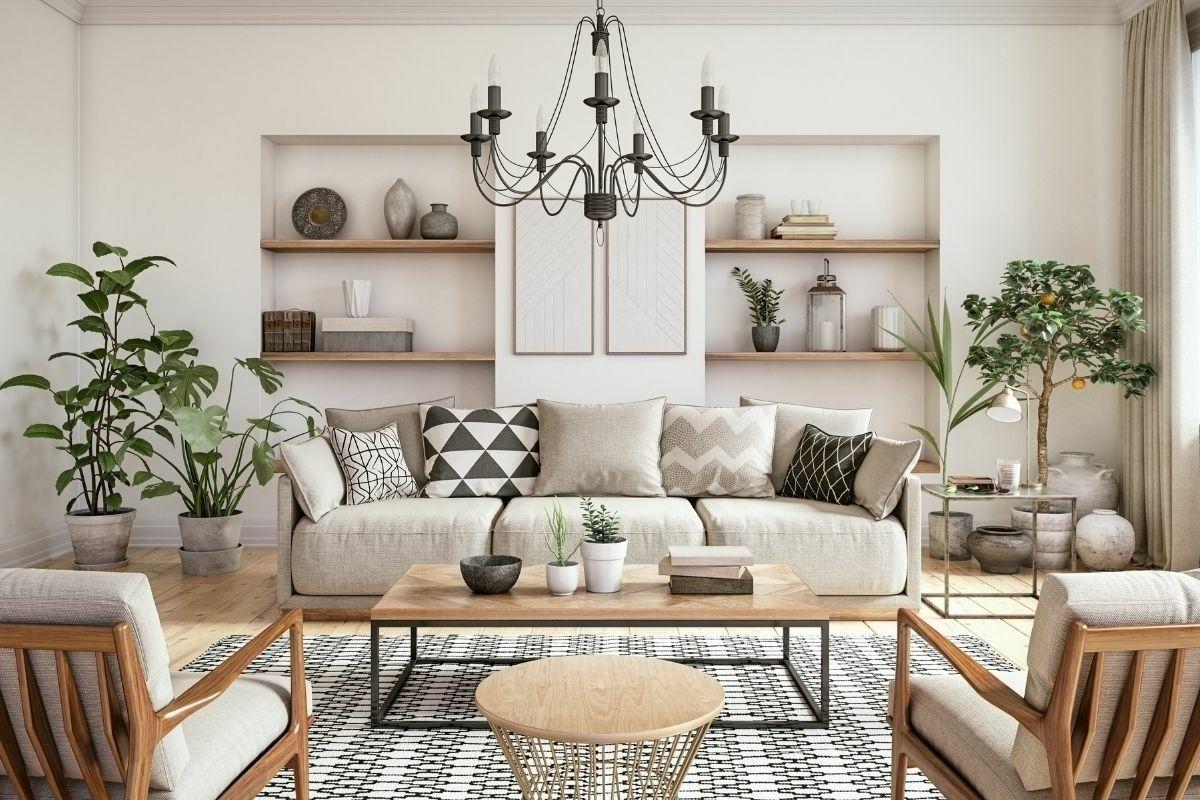 Elegáns nappali szoba apró dekorációkkal és díszpárnákkal